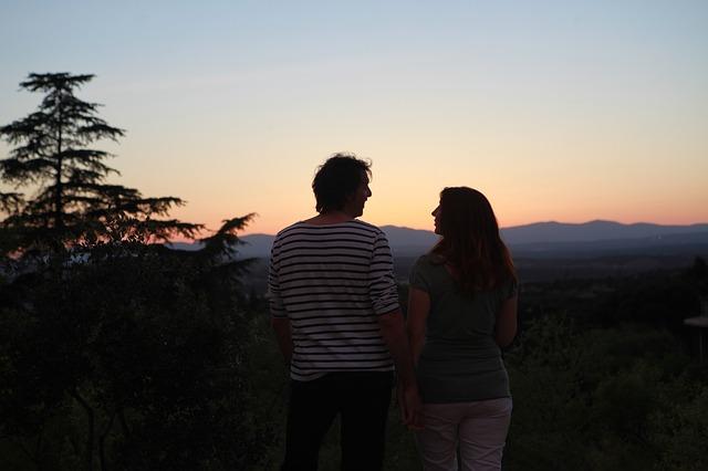 couple-542714_640