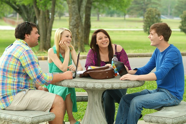 students-703003_640