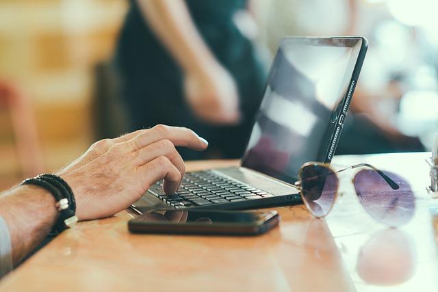 laptop-731904_640