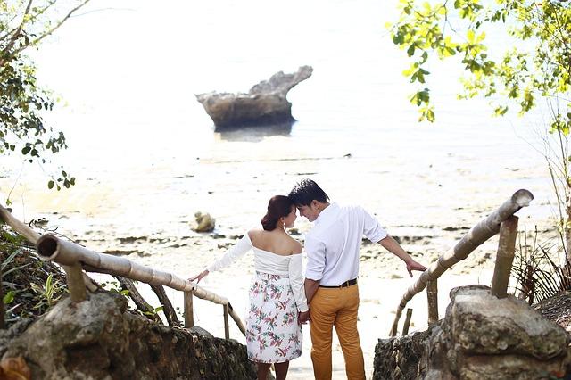 couple-885381_640