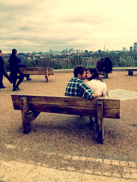 kiss-450846_640