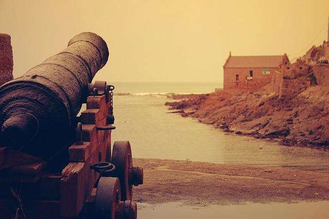 cannon-1031352_640